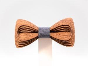 SÖÖR Antero neckwear in mahogany. A unique wooden bowtie for men by Hermandia. Handcrafted in Finland