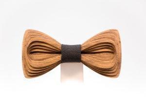 SÖÖR Antero neckwear in walnut. A one of a kind wooden bowtie for men