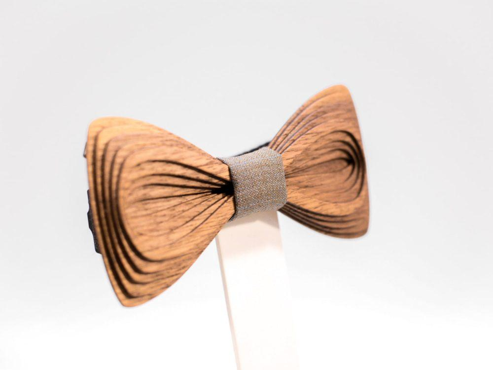 SÖÖR Antero neckwear in walnut with beige fabric. A unique mens accessory - a wooden bowtie by Hermandia.