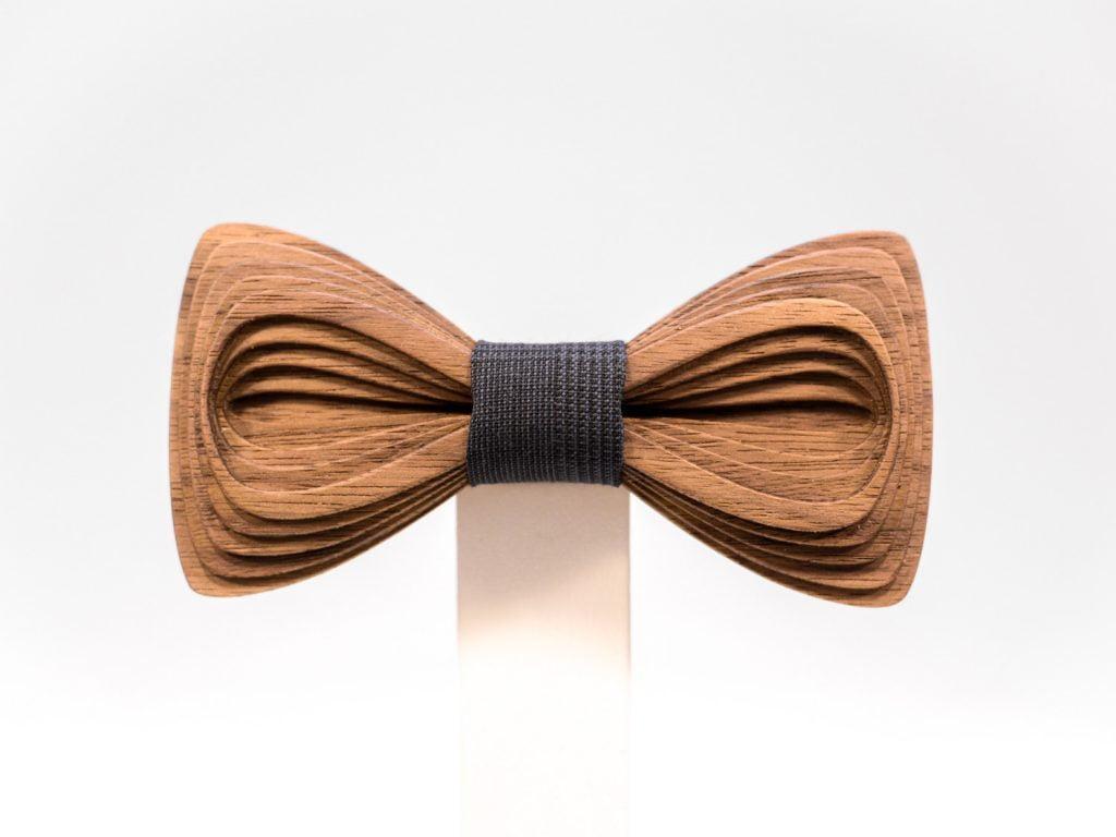 SÖÖR Antero neckwear in walnut. A unique wooden bowtie for men. Made in Finland