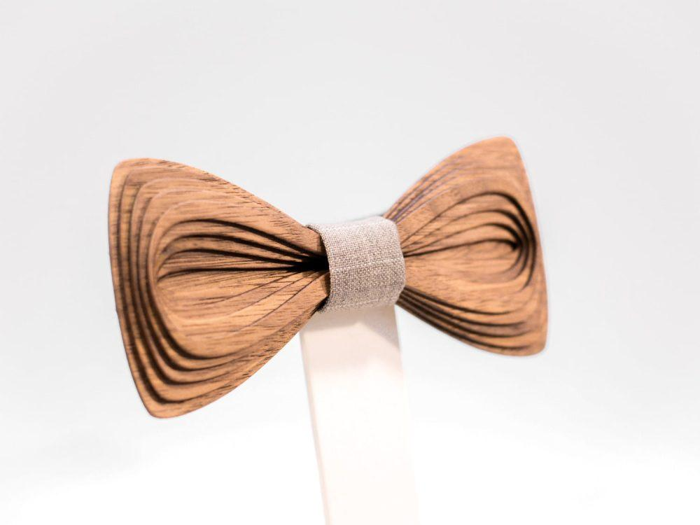 SÖÖR Antero neckwear in walnut wood from FSC certified forest. A unique mens accessory - a wooden bowtie by Hermandia.