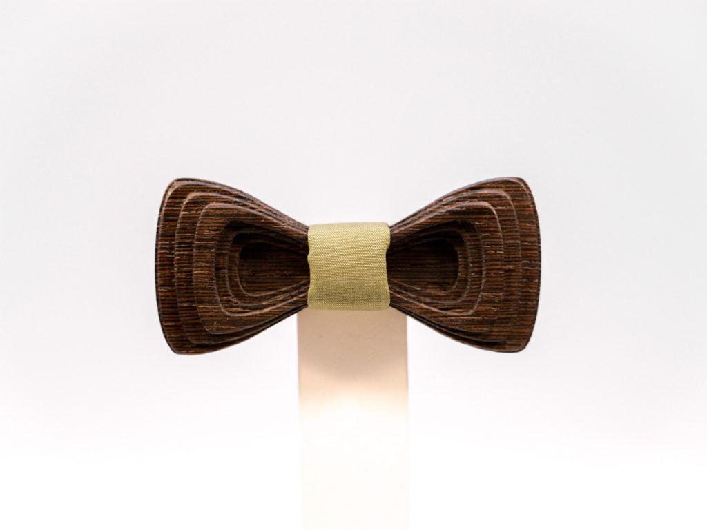 Jr. SÖÖR Antero neckwear. Uniikki puinen rusetti.
