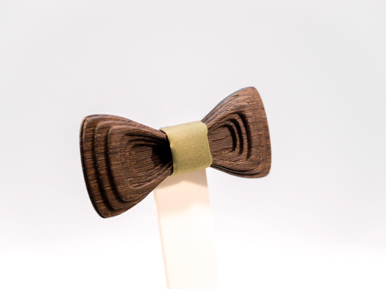 Jr. SÖÖR Antero neckwear. A unique wooden bowtie